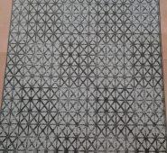 שטיחון מעוצב לבית – דגם מעוינים אפור